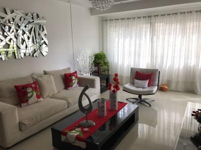 Apartamento en alquiler amueblado ubicado en Paraíso