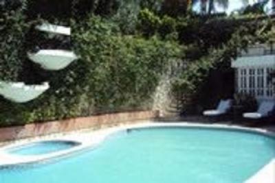 Casa en venta en Los Rios, 3 Niveles, 4Hab US$650,000 (Neg)
