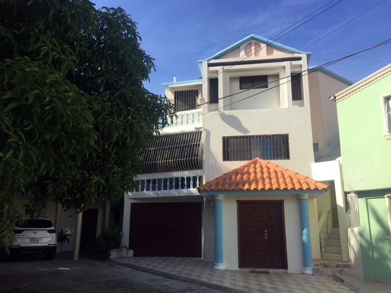 Los Cacicazgos, casa con 5 habitaciones