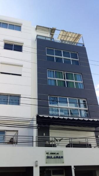 Penthouse con terraza en el Millón de dos niveles remodelado