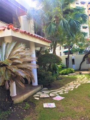 Casa - Alquiler BELLA VISTA, US$2,200°° / 270m2