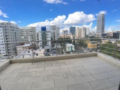 Evaristo Morales - Próximo a Acropolis Center. Balcón tipo Terraza