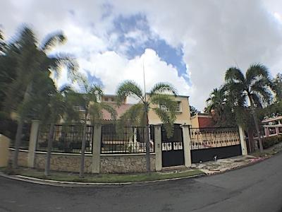 En lo MEJOR de Los Rios Con Patio y 5 habitaciones