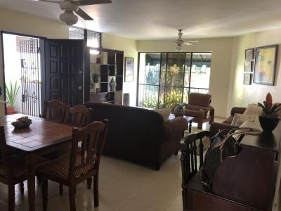Alquilo Apartamento Amueblado en la Avenida Anacaona
