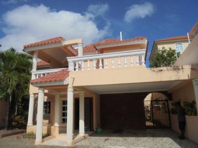 CityMax vende y renta casa en Altos de Arroyo Hon