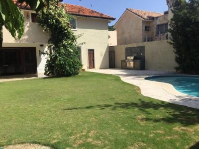 Casa - Venta ARROYO HONDO / US$450,000°° / 540m2