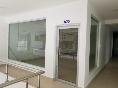 Local en Alquiler en Naco en el Primer Nivel de 36 m2