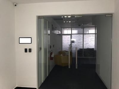 Oficina en Torre  Empresarial de 360 m2 en Piantini