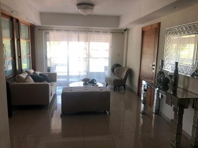 Apartamento en alquiler amueblado ubicado en Los Prados