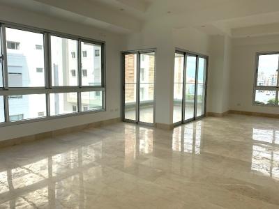 Apartamento en alquiler con linea blanca en lujosa torre en Piantini