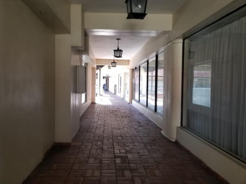 Local en Alquiler en Piantini en el Segundo Nivel de 32 m2
