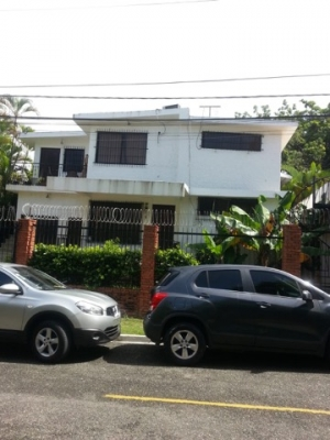 Apartamento Viejo Arroyo Hondo !!!
