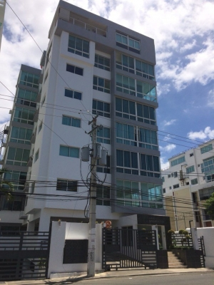 Apartamento en la Urb. Fernandez 5to piso con ascensor de oportunidad