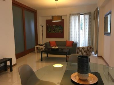 Apartamento Amueblado en Evaristo Morales 2 Habitaciones