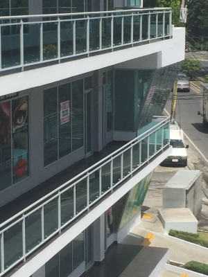 local comercial Plaza Civil Center (cerca de intec) segundo nivel