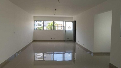 Oficina en Alquiler Evaristo Morales Tercer Nivel de 56 m2