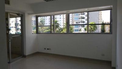 Oficina en Alquiler Evaristo Morales Tercer Nivel de 137 m2