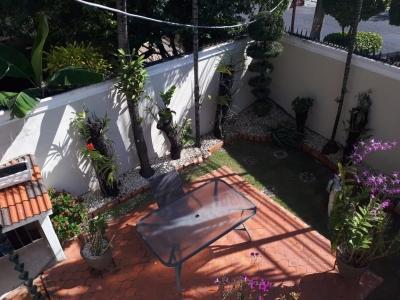 Vendo Casa en Los Restauradores con patio 2 niveles con terraza