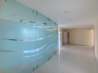Evaristo Morales -Oficina de piso completo