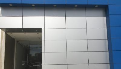 Local en Alquiler en SERRALLES en el Primer Nivel de 500 m2