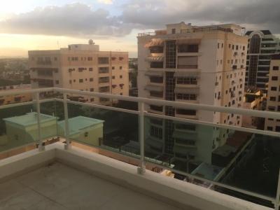 Apartamento en Evaristo Morales, 3 habitaciones