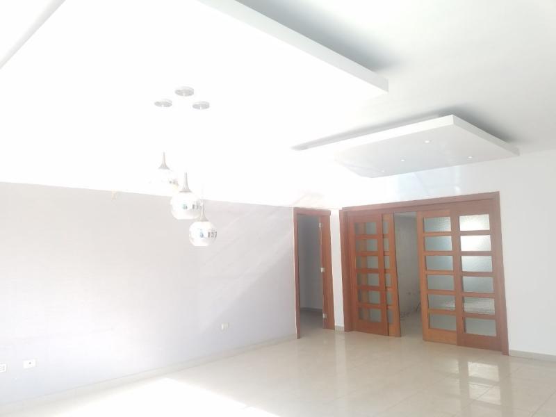 Apartamento de 3 habitaciones y estudio
