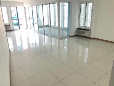 Amplio Apartamento Alquiler Evaristo Morales de 3 hab 235mt2