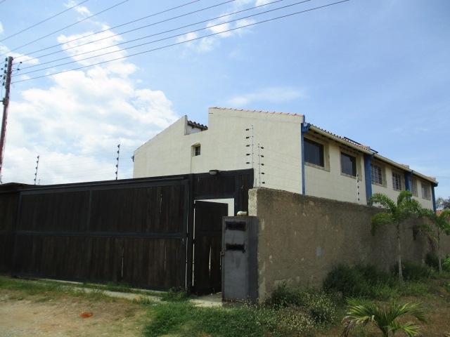 El Tirano - Casas o TownHouses