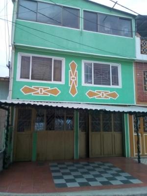 Soacha Manzanares, casa semicomercial de 6x12, tres plantas