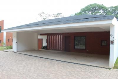 Casa en condominio zona 16, san Isidro