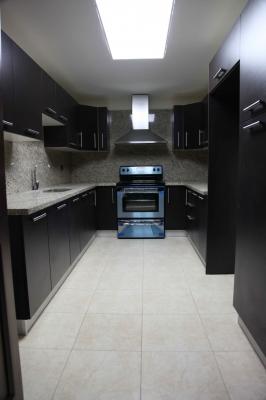 Apartamento en Venta en Edificio Santa María, zona 10