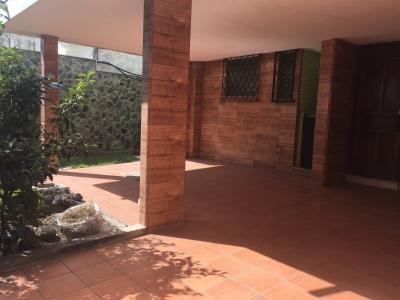 Casa en venta en Colonia Granai Townson 1, zona 11