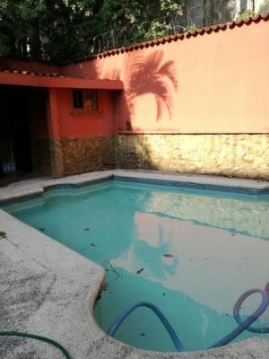 Colonia bran, 5 habitaciones, 3 baños, piscina, 4 carros