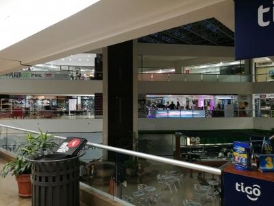 Preciosa oficina en zona 10 de ciudad de Guatemala, a una cuadra de Avenida de La Reforma
