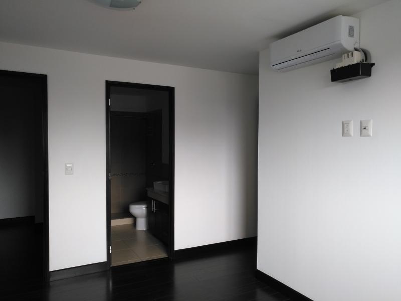 APARTAMENTO 3 habitaciones RENTA !!! ZONA 14