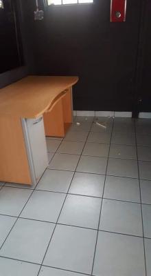 Oficinas con bodega Zona 14