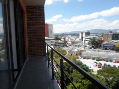 Apartamento en renta en 4 GRADOS NORTE zona 4!