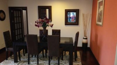 Apartamento Zona 10, Ideal ejecutivos, extranjeros.
