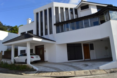 Citymax  renta Linda Casa en Lomas de San Rafael , Km 8.5