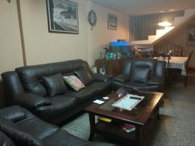 Vendo linda casa excelente ubicación en zona 7 cerca de todo 6 dormitorios. Cod. 84