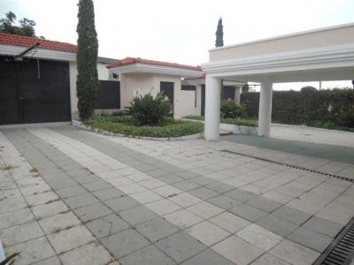 RESIDENCIA PREMIUM EN VENTA EN KM 16.5 CARRETERA A EL SALVADOR