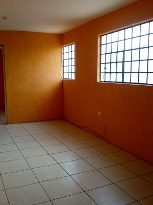 casa independiente, dos apartamentos, fuera de garita