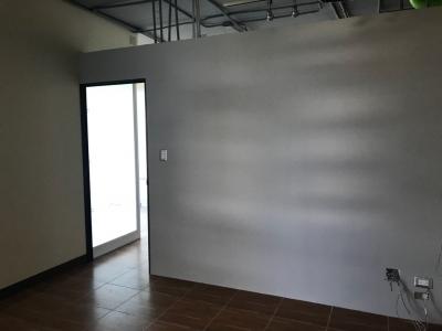 oficina en zona 15, alquilo !!! Edificio Domani