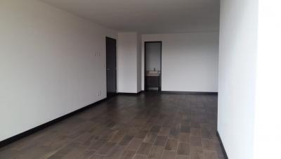 Apartamento en Renta Zona 10 – WCSR147