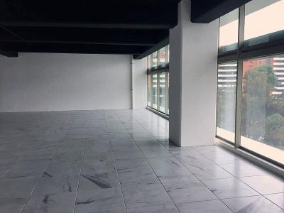 Zona 10 Alquilo linda oficina nivel intermedio