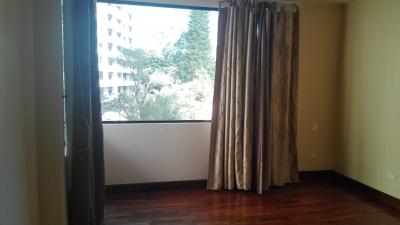 Apartamento en renta de 2 habitaciones en zona 10