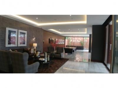 Apartamento Terrazu zona 14. Amplio y Elegante.