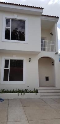 Invesprogroup vende casa en zona 16