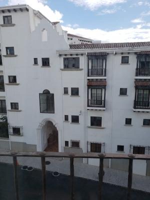 Alquilo apartamento en Paseo Cayalá. 3 dormitorios