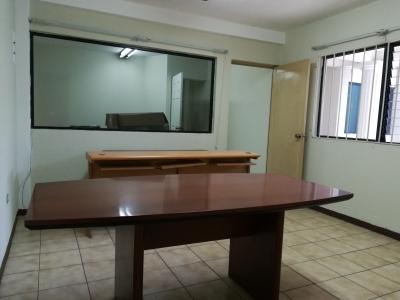 Oficina en renta a precio cómodo Q4,265